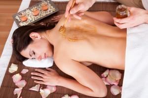 Medová masáž detoxikačná
